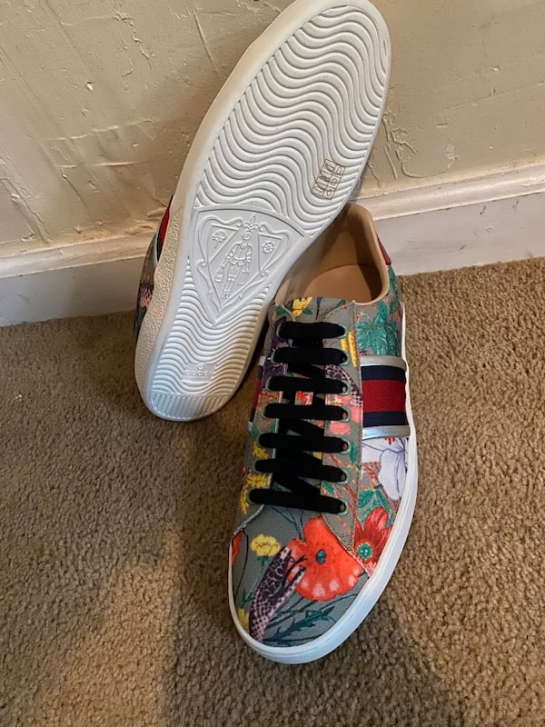 Gucci sneakers  4