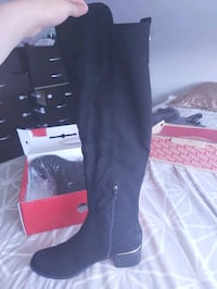 Over the knee Guess Boots for sale!