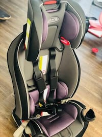baby's black and gray car seat carrier 466 mi