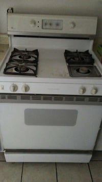 white and black gas range Bakersfield, 93309