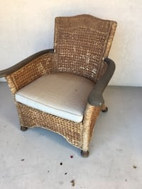 Patio Wicker Chair with Pad  Las Vegas, 89134