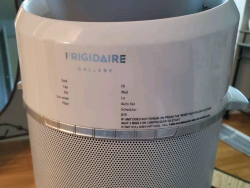 Frigidaire AC portable air conditioner ab9b5296-1c0b-412d-9e17-ad5aa5e4346e