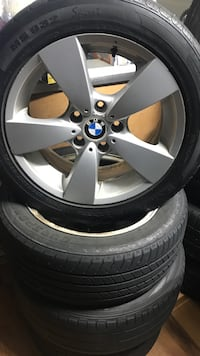 gray BMW 5-spoke vehicle wheel with tire