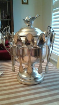Rogers silver plated sugar bowl and spoons Mississauga, L4X 2K8