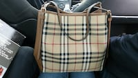 Athuentic Burberry purse