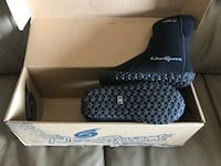 New!! Neosport neoprene wetsuit water boots. Children's size 10 St Thomas, N5R 6M6