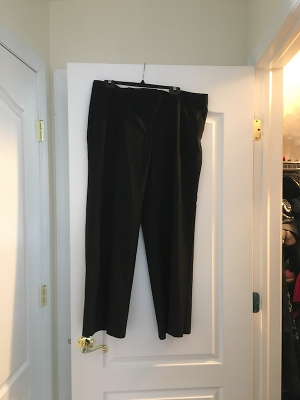 Used Victoria secret black dress pants for sale in Smithtown - letgo 6ebb4a0c1335f