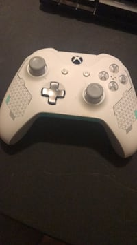 white Xbox One wireless controller Norristown, 19401