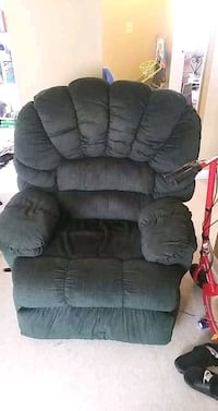 Ulti 2 speed massage chair with phone included