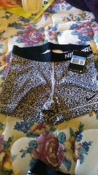 women's black and white floral shorts 2217 mi