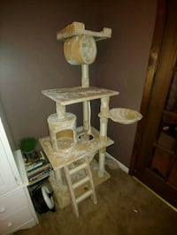 Cat Tower - Brand New Hampton, 23669