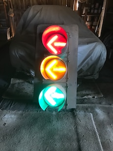 red, green and yellow traffic light