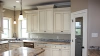 Kitchen & bath cabinets 休斯顿, 77063