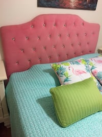 Queen tufted headboard  712 mi