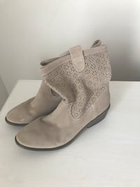 Size 9 Women's Boots 32 km