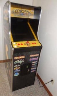Pac-Mans arcade party by Namco Orange, 92865