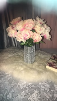 pink and white flower bouquet Las Vegas, 89103