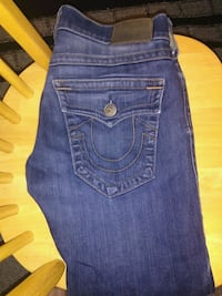 True religion Sidney, V8L 2H7