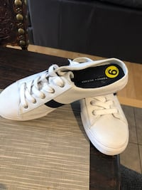 White new sneakers size 7-8-9 704 km