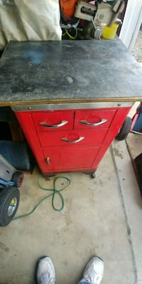 GARAGE ROLLING CABINET WITH DRAWERS Lake Elsinore, 92530