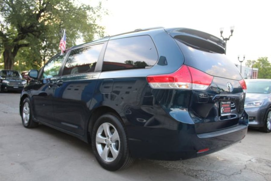 2011 Toyota Sienna for sale b05d46bc-65d6-4f9c-8853-6d379e244523