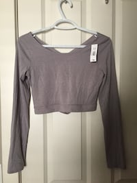 Brand new grey cropped shirt Calgary