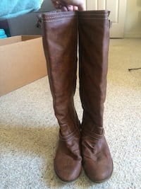 Pair of brown leather knee high boots Durango, 81301