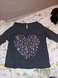 Aeropostale shirt (size medium)