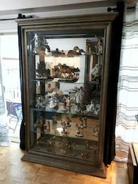 Beautiful display with collectables   Mississauga, L5L