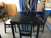 Expandable Dining Table and Chairs Las Vegas, 89121