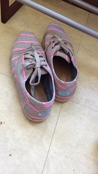 Gray and pink toms low top shoes