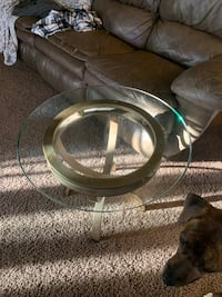 Set of 2 Glass end/side tables with detachable base