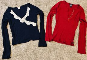 2 women's a&f long sleeved tops, large