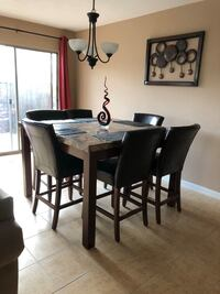 Table and chairs moving sale!! Tomball, 77377