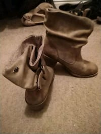 pair of brown leather boots Marriott-Slaterville, 84404