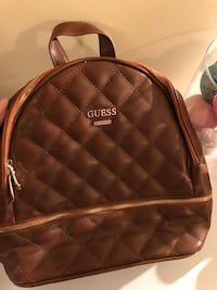 Never used guess backpack Ottawa, K1T 1L1