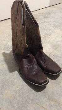 Pair of black leather square-toe cowboy boots Huxley, 50124
