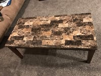 Coffee table and 2 end tables set Moorhead, 56560