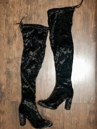 Size 6.5 Over the Knee Boots 2254 mi