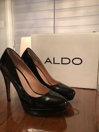 Pair of black leather platform stilettos 8.5 Montréal, H1C