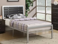 DOUBLE OR QUEEN SIZE METAL BED WITH ESPRESSO WOOD Toronto