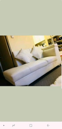 2 pieces leather sofa North Vancouver, V7M 1J2