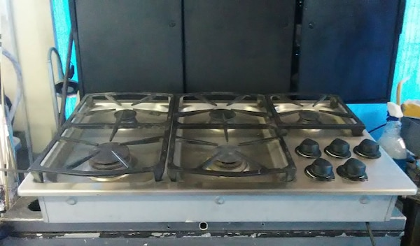 "30 "" DACOR gas 5 burner cook op"