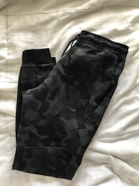 Nike tech fleece - Medium  Mississauga, L4Z 4B4