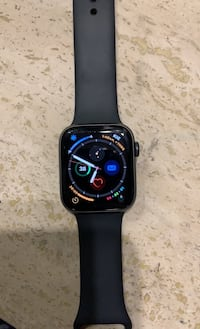 Series 5 Apple Watch 44 mm 2 weeks old    Mint condition cellular Toronto, M9P