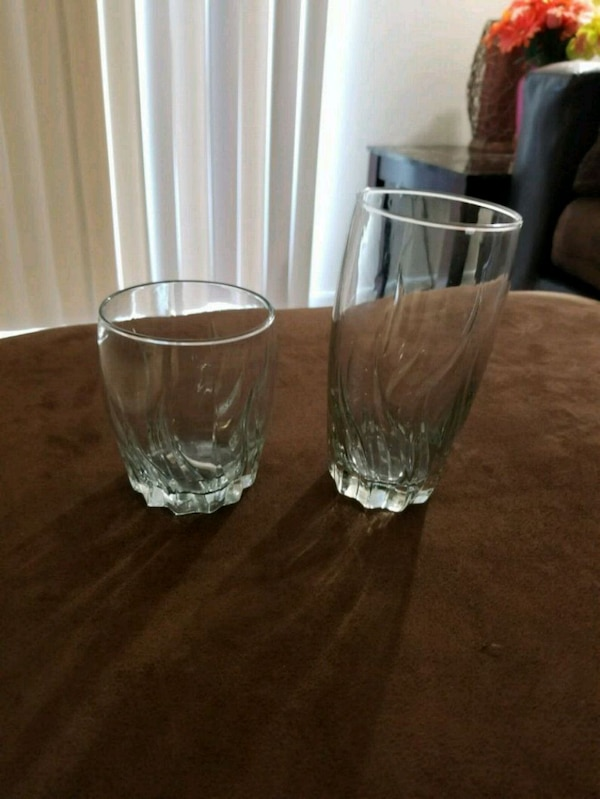 GLASS SET (12 BIG AND 4 SMALL SET)
