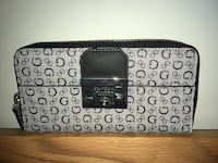 Guess Wallet Brand new  Surrey, V3T 1S2