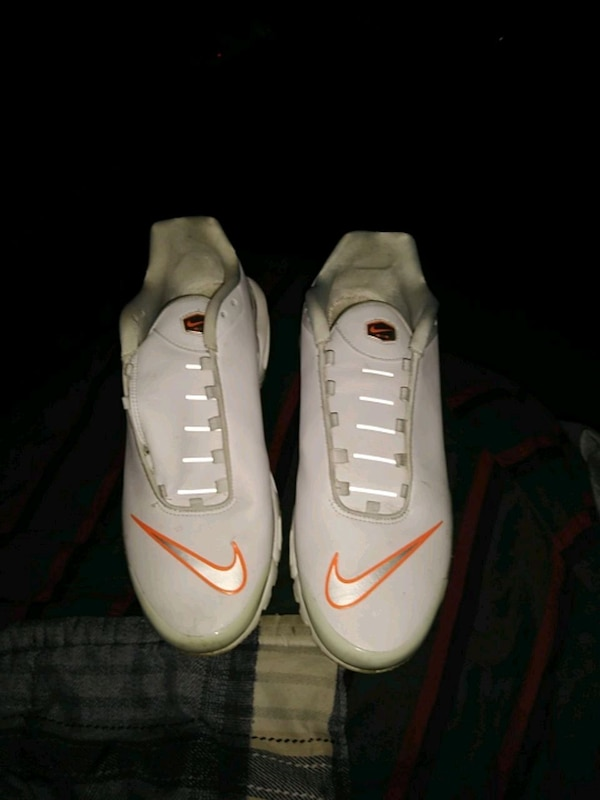 0153eae7918c Used pair of white-and-red Nike basketball shoes for sale in Louisville -  letgo
