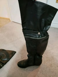 Over the knee black boots Cambridge, N1R 8A5