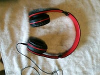 $20 red and black corded headphones Roswell, 88203